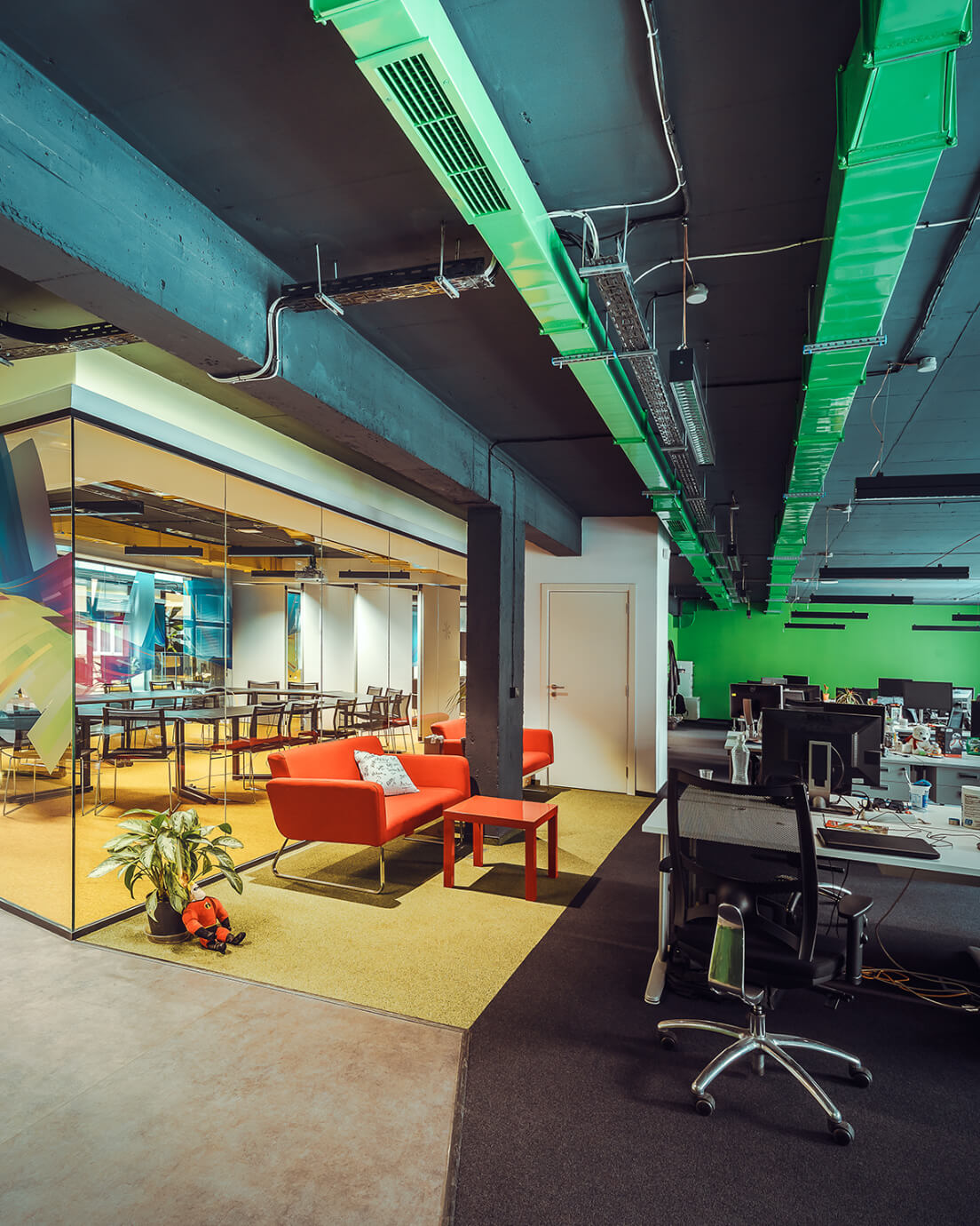 Интериорен дизайн на офис - заседателна зала