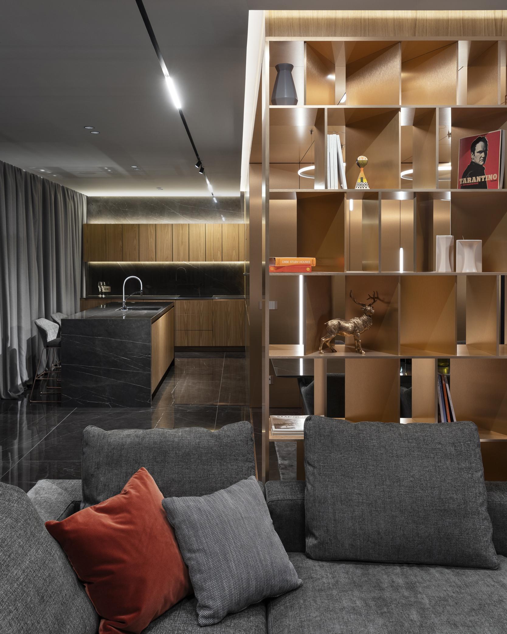 Библиотека с диван